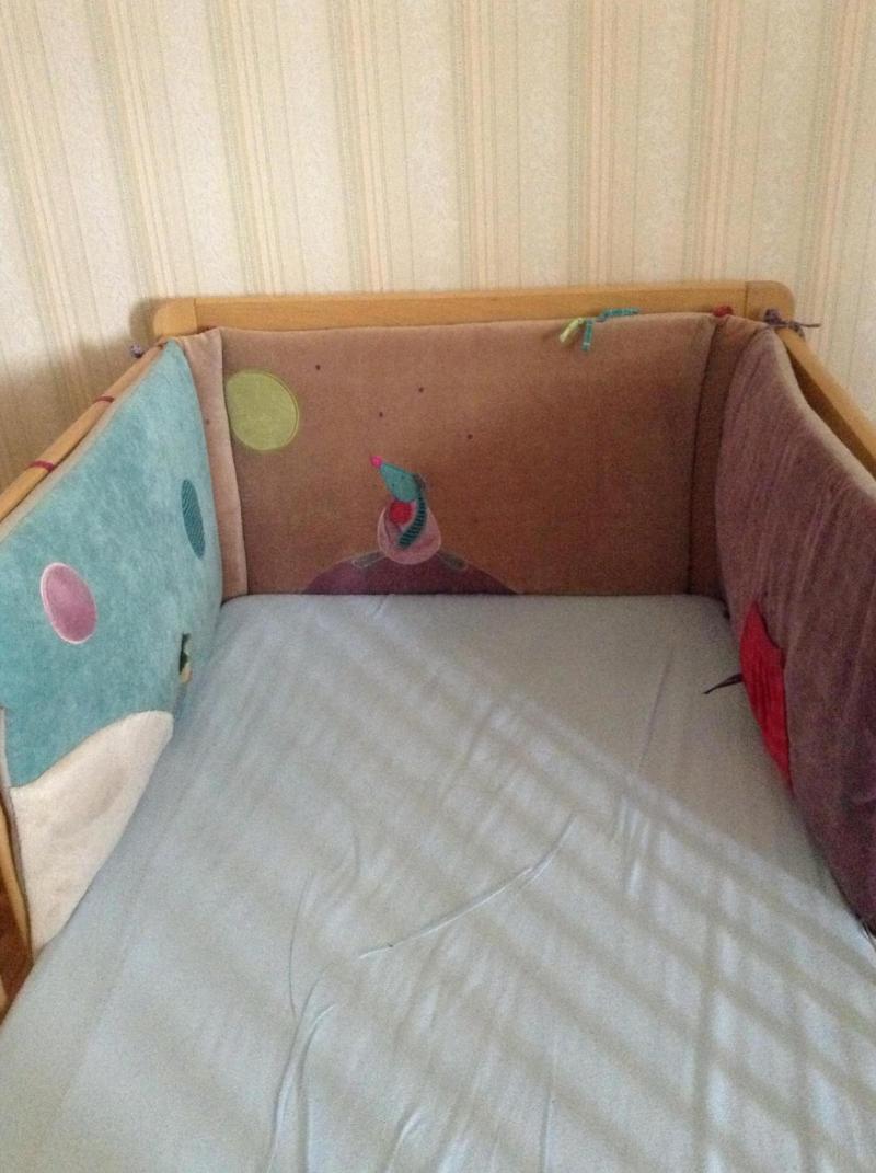 tour de lit les jolis pas beaux moulin roty avis. Black Bedroom Furniture Sets. Home Design Ideas