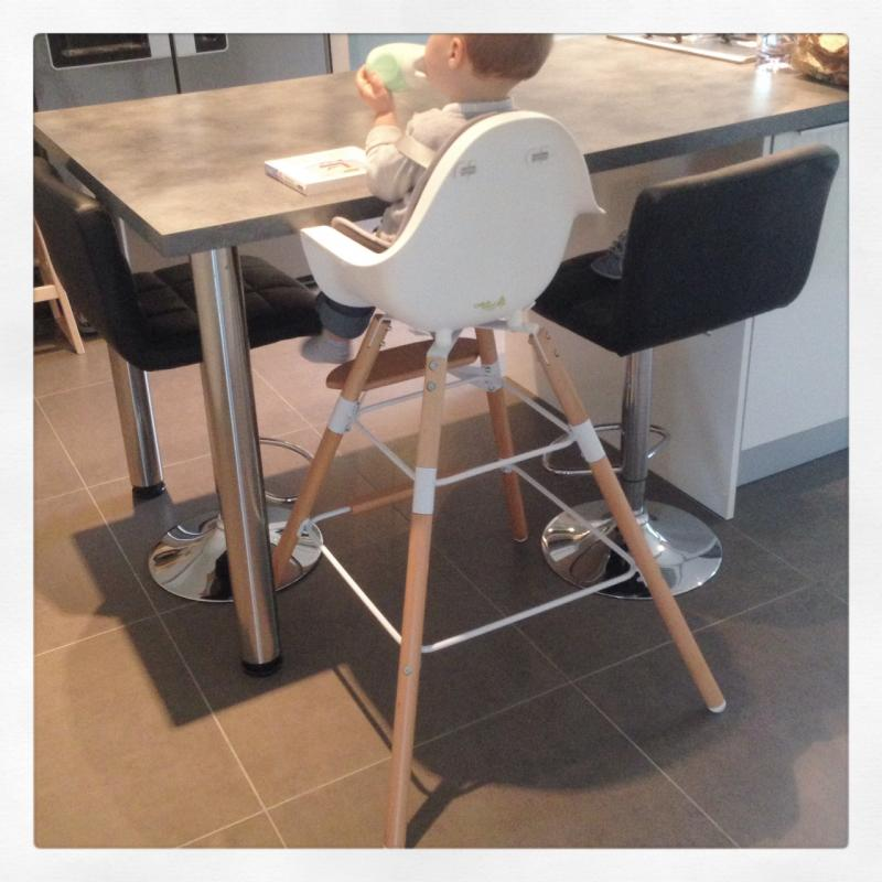 Chaise haute b b evolu childwood avis for Chaise haute bebe pour bar