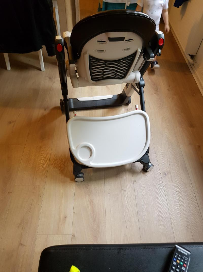 Chaise haute siesta peg perego avis - A quel age mettre bebe dans la chaise haute ...