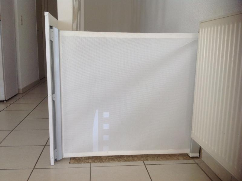 Barri re de s curit kiddyguard avant lascal avis for Barriere de securite pour escalier helicoidale