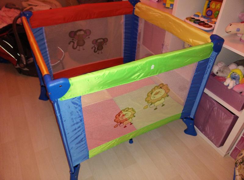 parc pliant bruin toys r us avis. Black Bedroom Furniture Sets. Home Design Ideas
