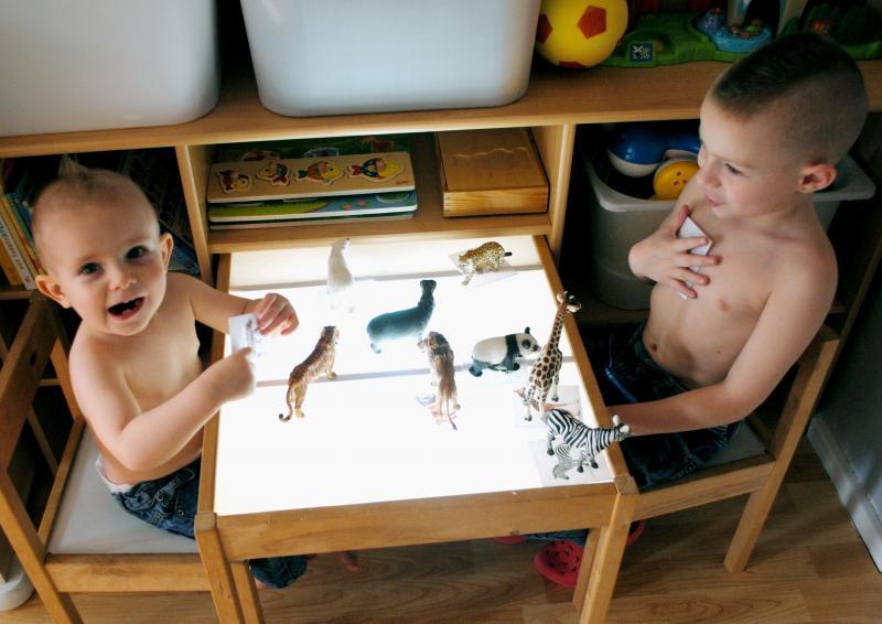 table et deux chaises enfant latt ikea avis. Black Bedroom Furniture Sets. Home Design Ideas