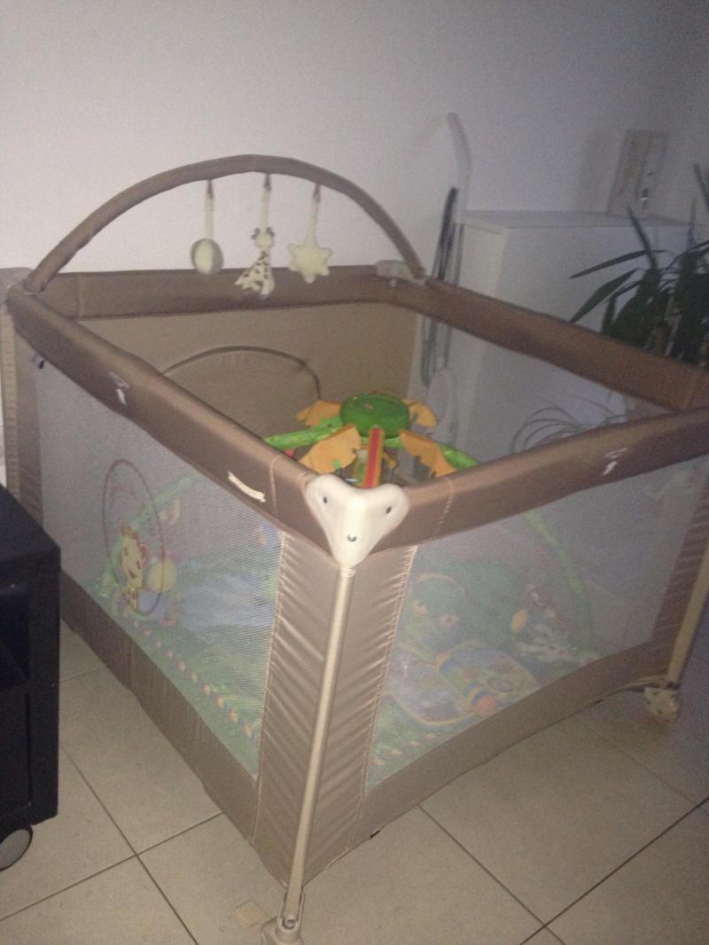 parc sophie la girafe renolux avis. Black Bedroom Furniture Sets. Home Design Ideas