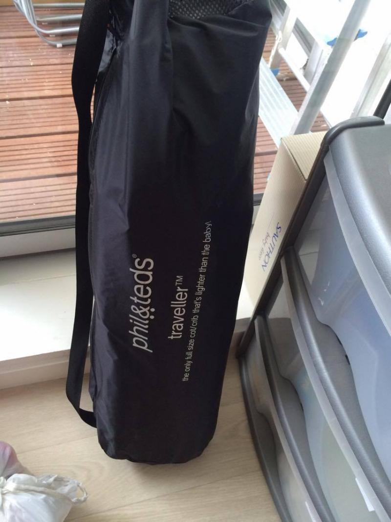 housse de transport Lit parapluie traveller V4 Phil and teds Lit de voyage