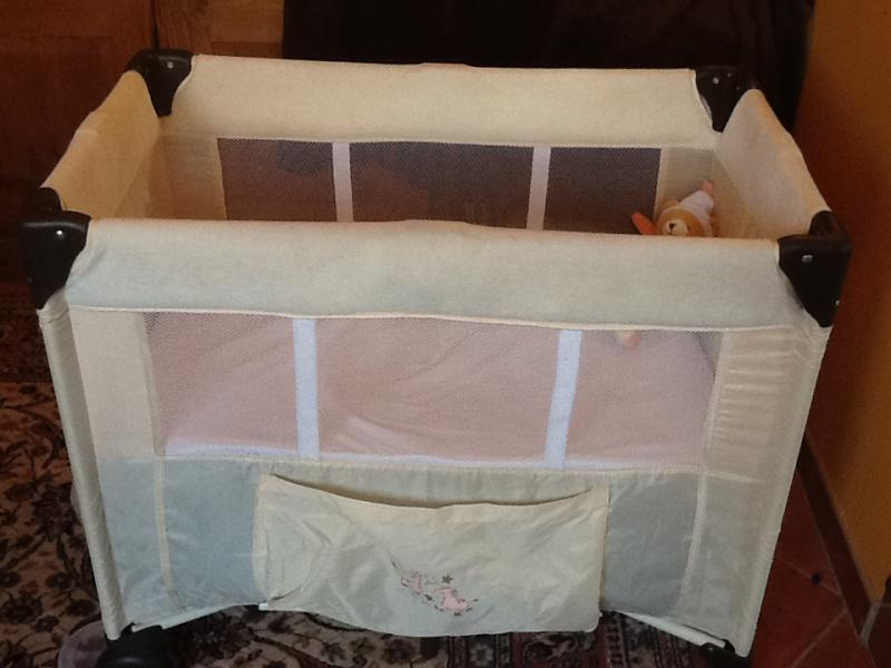 lit parapluie winnie hauck avis. Black Bedroom Furniture Sets. Home Design Ideas