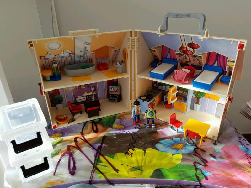 maison transportable dollhouse playmobil avis. Black Bedroom Furniture Sets. Home Design Ideas