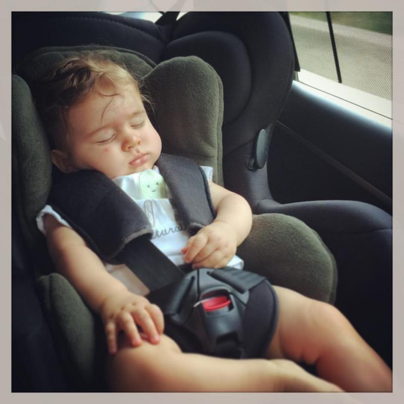 B b 4 mois pleure en voiture for Siege auto bebe 8 mois