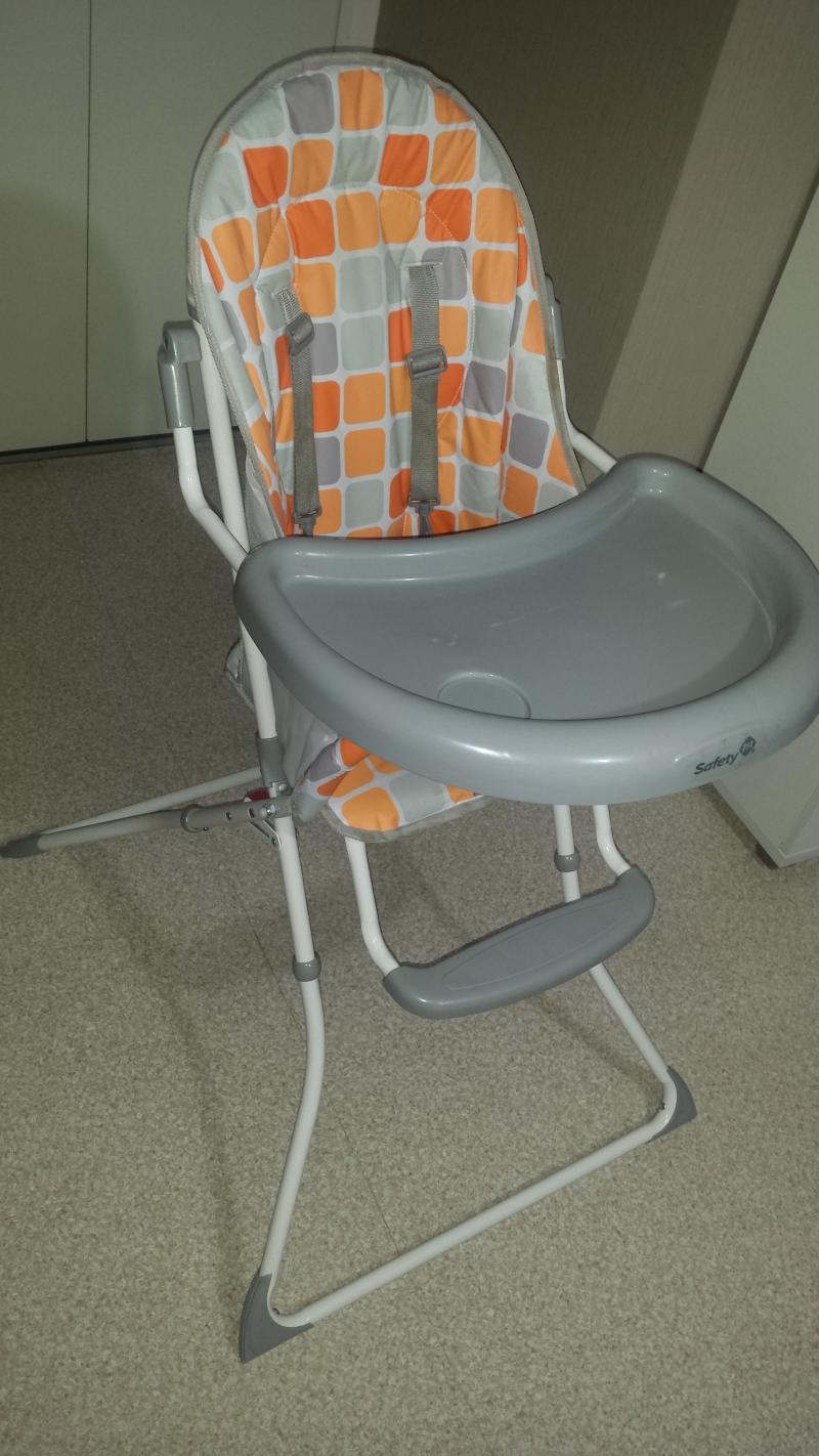 chaise haute extra pliante bambisol avis. Black Bedroom Furniture Sets. Home Design Ideas
