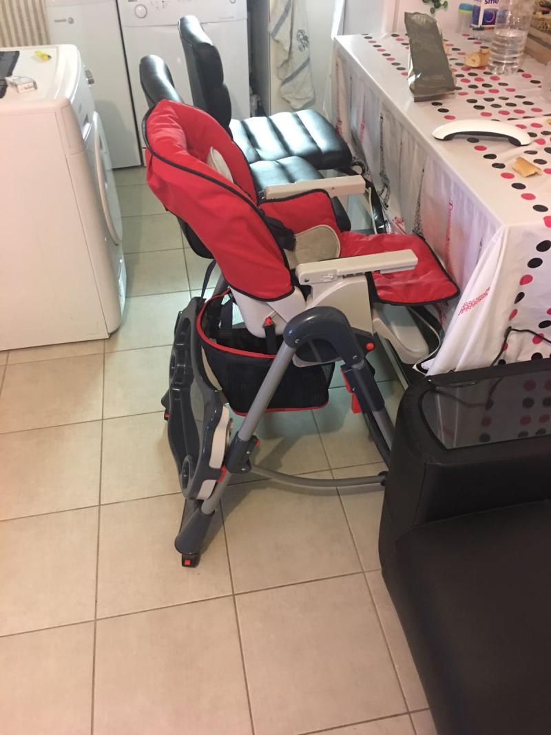 A quel age bebe va dans la chaise haute for Chaise haute pour bebe