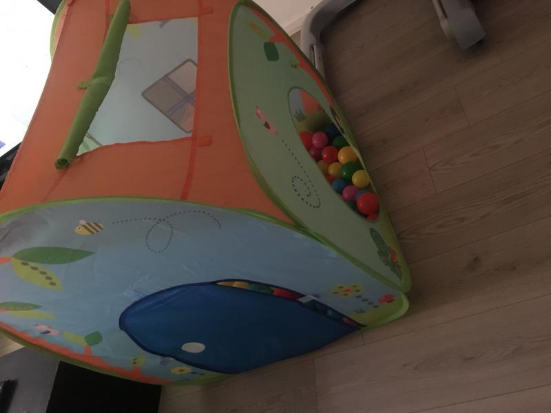maison pop up avec tunnel cottage oxybul avis. Black Bedroom Furniture Sets. Home Design Ideas