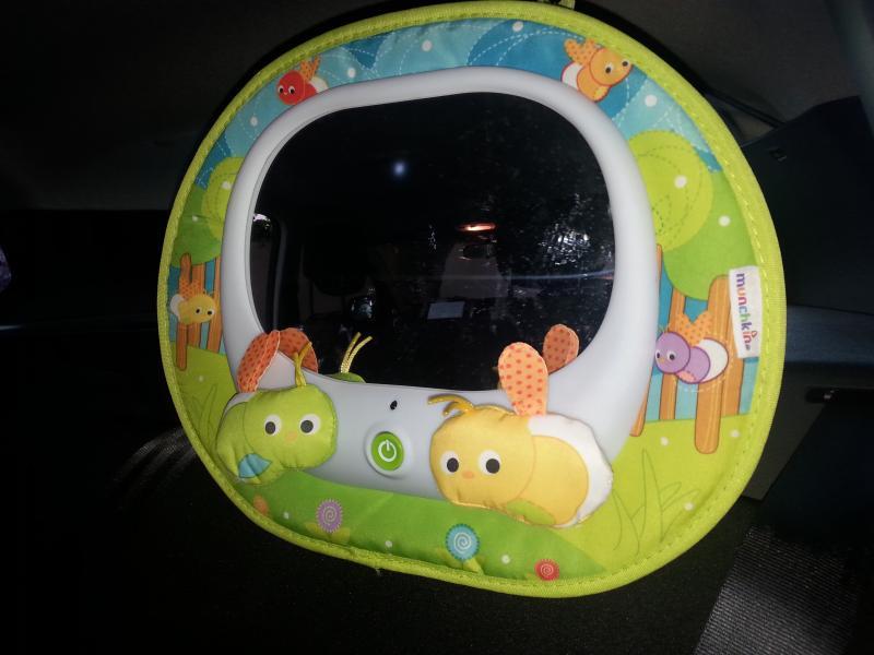Miroir musical led pour voiture munchkin avis for Miroir voiture bebe