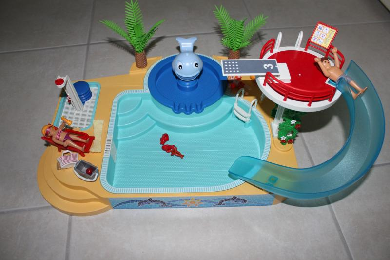Piscine avec toboggan playmobil avis for Piscine de playmobil