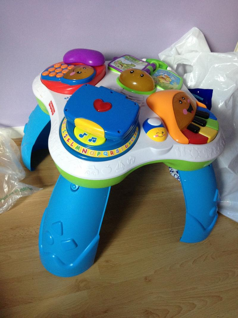 Table rires et veil bilingue fisher price avis - Table activite fisher price ...